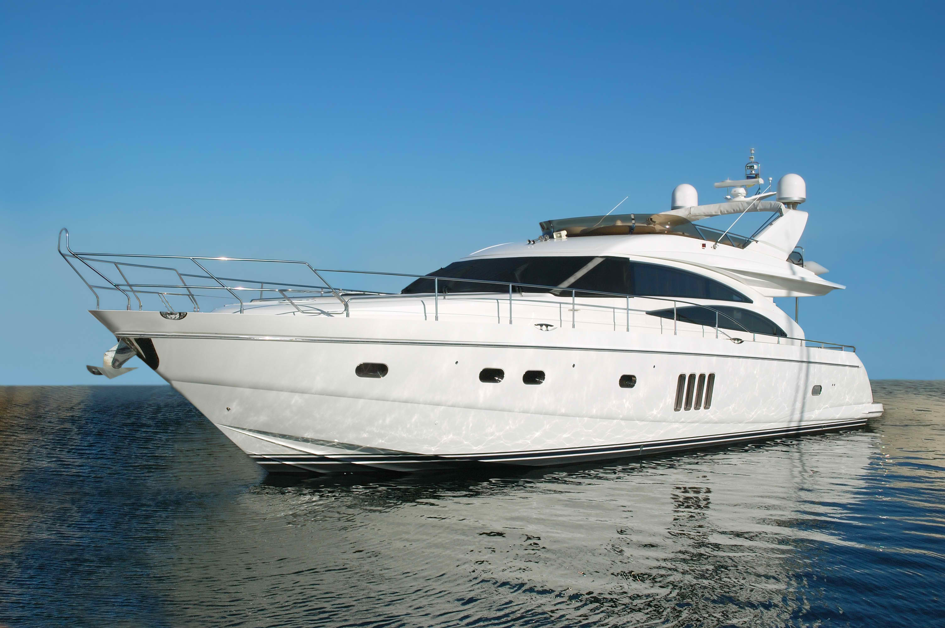 YACHT-CHARTERS-41